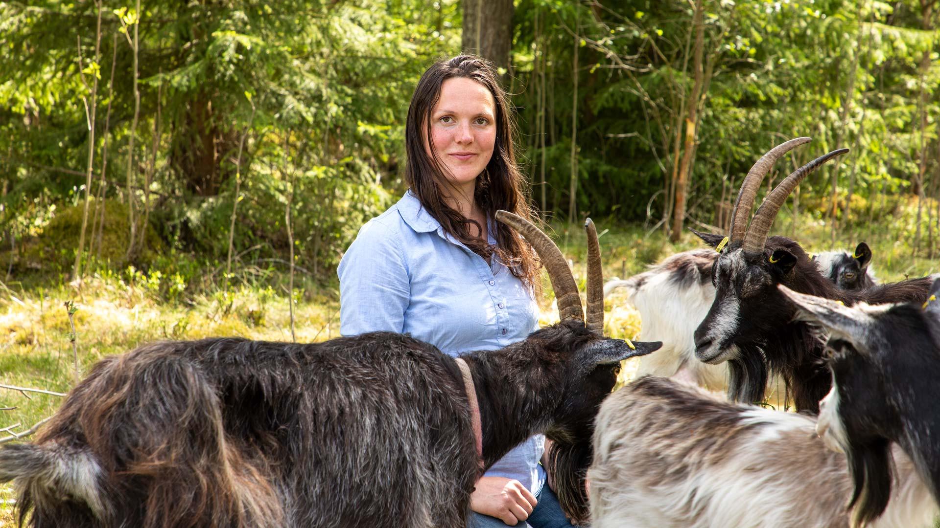 Lina Englund får stipendie på 100 000kr från Dalakraft för att utveckla sin verksamhet